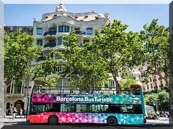 Hop on, Hop off Bus Tour in Barcelona