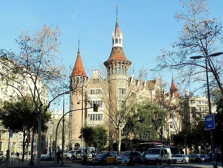 La casa de les punxes ist jetzt auch zur besichtigung freigegeben - Casa de las punxes ...